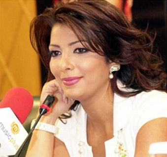 http://www.hibamusic.com/ajouter2/files_uploded/photos_artiste/full_size/assala-nasri-36-1102-1141610.jpg