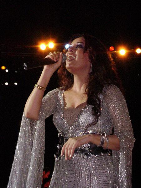 Photos de Latifa Tounsia - Page : 5/7