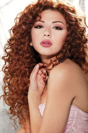 http://www.hibamusic.com/ajouter2/files_uploded/photos_artiste/full_size/myriam-fares-154-1416-9859149.jpg